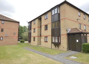 1 bed flat to rent in Rushdon Close, Gidea Park, Romford RM1