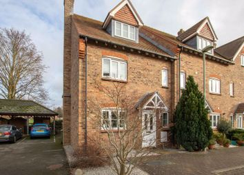 Thumbnail Room to rent in Charlton Court, Reading Road, Wantage