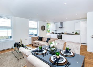 High Street, Slough SL1. 2 bed flat for sale