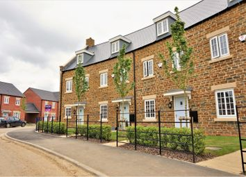 3 bed end terrace house for sale in Parsons Piece, Banbury OX16