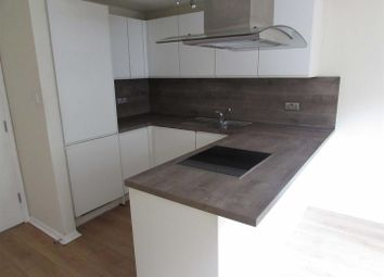 Thumbnail 1 bed flat to rent in Mulberry Close, Luton