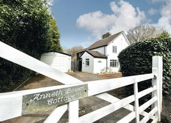 Warren Road, Chelsfield, Orpington BR6. 3 bed country house for sale