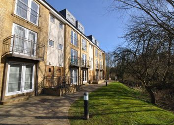 Thumbnail 2 bedroom flat to rent in Grove Road, Hitchin