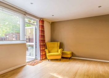 2 bed maisonette to rent in Glengall Grove, Isle Of Dogs, London E14