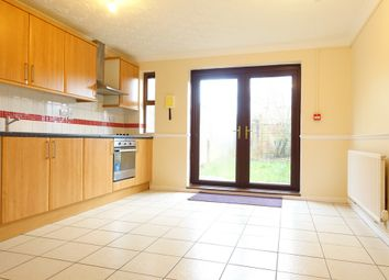 Thumbnail 4 bed town house to rent in Perran Avenue, Fishermead, Milton Keynes