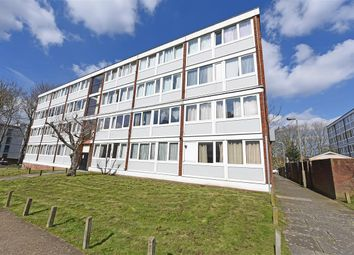 Thumbnail Maisonette to rent in Bordon Walk, Roehampton, London
