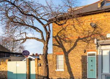3 bed property for sale in Alexandra Road, Kew, Surrey TW9