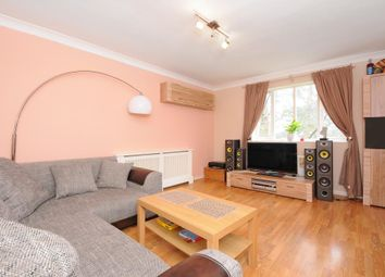 Thumbnail 1 bed flat to rent in Waterloo Rise, Reading