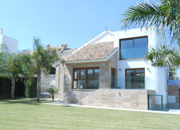 Thumbnail 3 bed villa for sale in Alicante, Spain