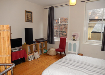 Thumbnail 1 bed flat to rent in Cobb Street, London