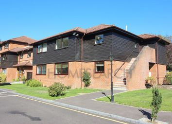 Thumbnail 2 bedroom flat for sale in Heathside Court, Tadworth