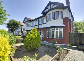 3 bed property to rent in Great West Road, Osterley, Isleworth TW7