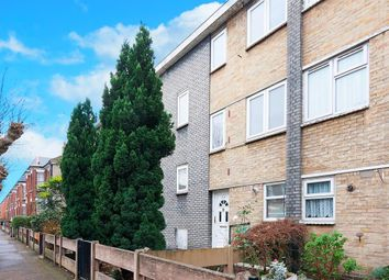 2 bed maisonette for sale in Lynmouth Road, London N16