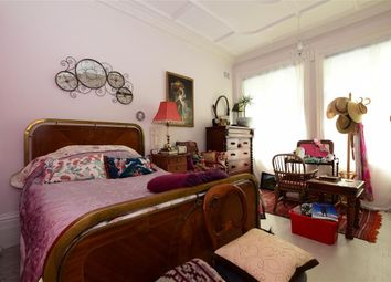 Prince Edwards Road, Lewes, East Sussex BN7. 1 bed flat