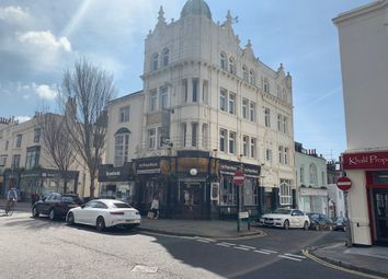 Western Road, Hove BN3. 2 bed flat