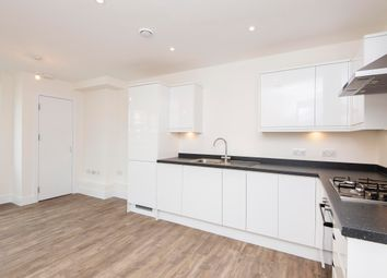 2 bed flat to rent in Coombe Lane, London SW20