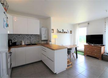 Thumbnail 2 bed apartment for sale in Île-De-France, Yvelines, Villennes Sur Seine