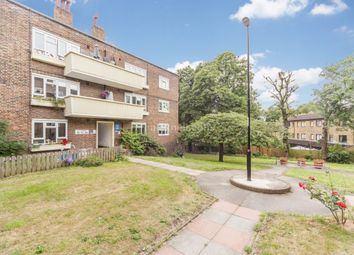 Thumbnail 2 bed flat to rent in Collins Street, London