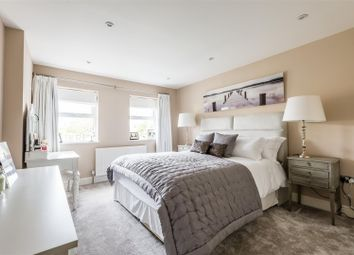 Thumbnail 4 bed terraced house for sale in Walton Road, East Molesey
