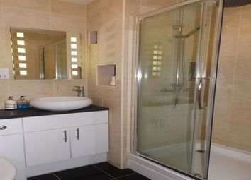 Thumbnail 2 bedroom flat to rent in Royal Gate, Southsea