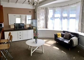 Thumbnail 1 bed flat to rent in Queens Road, London