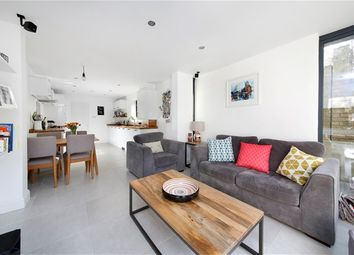 Thumbnail 2 bedroom flat for sale in Landcroft Road, London