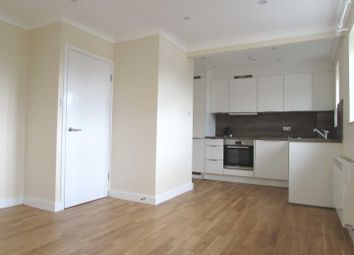Thumbnail 1 bed flat to rent in The Drummonds, Dunstable Road, Luton