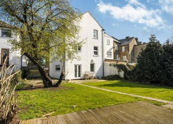 Thumbnail 2 bed flat for sale in Ravensbourne Road, Bromley