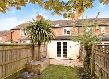 Thumbnail 2 bed cottage for sale in Cadels Row, Faringdon