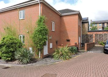 Thumbnail 2 bedroom flat for sale in Queens Acre, Queens Road, High Wycombe