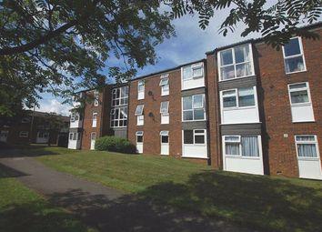 2 bed flat to rent in Kimbolton Crescent, Hertford Road, Stevenage, Herts SG2