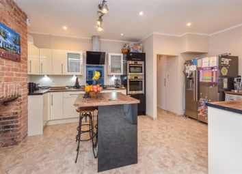 4 bed property for sale in Phyllis Avenue, New Malden KT3