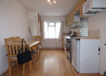 Thumbnail 1 bed flat to rent in Brunswick Park Road, Arnos Grove