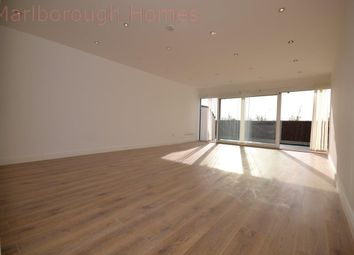Thumbnail 1 bed flat to rent in Roding Lane North, Woodford Green
