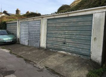 Thumbnail Property to rent in Cavern Road, Torquay