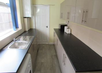 3 bed shared accommodation to rent in Irving Road, Coventry CV1