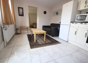 Thumbnail 2 bed bungalow to rent in Highfield Road, Acton, London