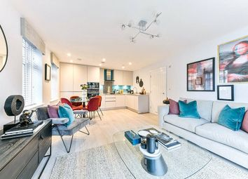 Thumbnail 2 bed flat for sale in Hillgrove House, 186 High Street, Edgware, Middlesex