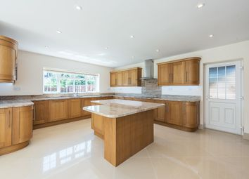 Thumbnail 5 bed property to rent in Ashbury Close, Hatfield