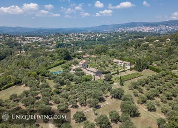 Thumbnail 11 bed villa for sale in Chateauneuf De Grasse, Grasse, French Riviera