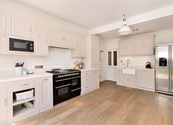 Thumbnail 5 bedroom terraced house to rent in Englewood Road, London