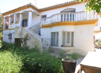 Thumbnail 5 bed villa for sale in Estepona, Malaga, Spain