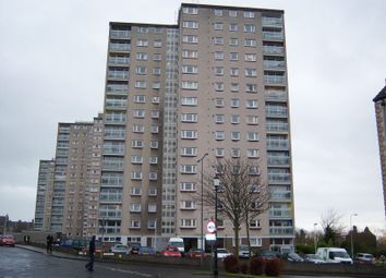 Thumbnail 1 bed flat to rent in Ravens Craig, Kirkcaldy