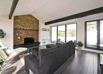 2 bed flat to rent in Moorhouse Road, London W2