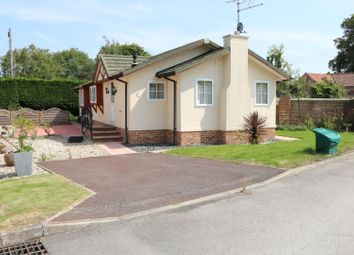 Thumbnail 3 bed mobile/park home for sale in Roecliffe, York