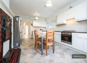 Thumbnail 4 bed town house to rent in Davis Road, Acton, London