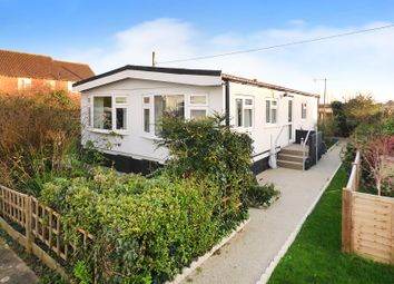 2 bed mobile/park home for sale in Kingsmead, Thornlea Court, Littlehampton BN17