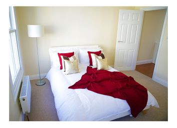 Thumbnail 6 bed shared accommodation to rent in Ellesmere Road, London