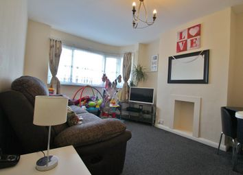 2 bed maisonette to rent in Fullwell Avenue, Ilford IG5