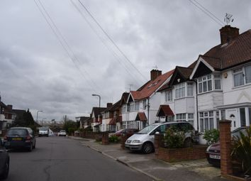 Thumbnail Room to rent in Bovingdon Avenue, Wembley